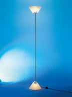 PIRAMIDE -iluminada nos dois lados -compre este luminária na loja virtual pelo link: http://www.solar.net.br/piramide-p162