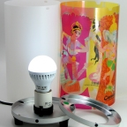 observe a voltagem de rede elétrica (127v ou 220v) e potência (w) correta da lâmpada